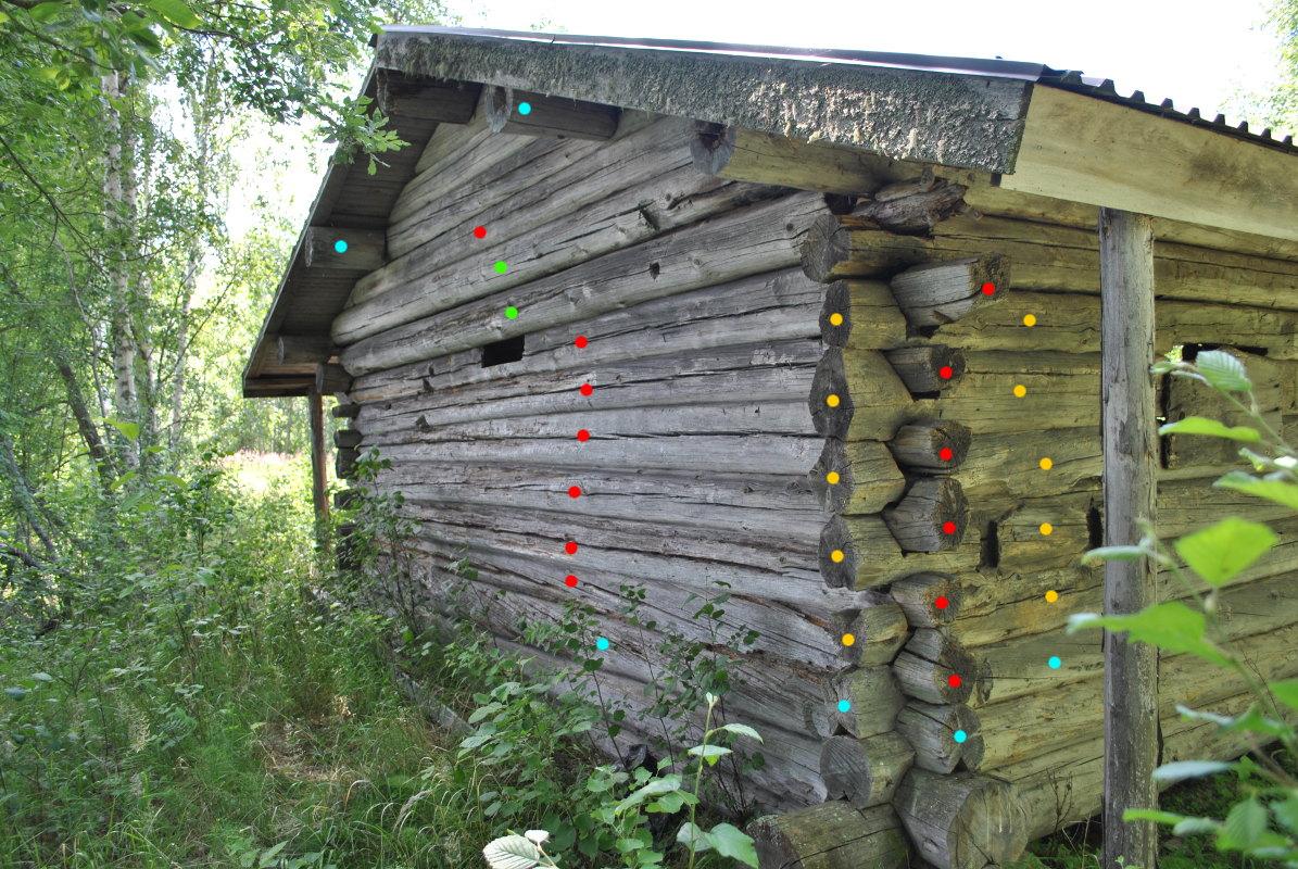 ae0a0c2fe171 Daterade stockar enligt färgmarkeringar. Mellersta delarna av väggarna och  övre delarna av röstena är från ca 1648, utom vägg B som är utbytt ca 1722.